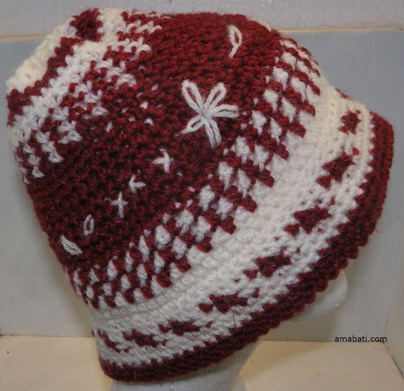 Flocon - Bonnet rouge grenat et blanc par Amabati